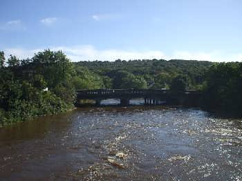 The River Aire at Apperley Bridge
